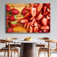 Πίνακας σε καμβά  Φράουλες κομμένες σε φέτες